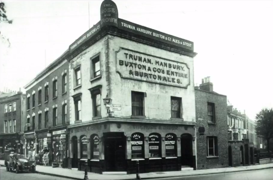 The Rose and Crown Pub Stoke Newington